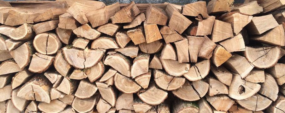 Дубовые дрова имеют наивысшую температуру горения