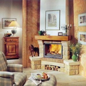Интерьер гостиной с угловым камином
