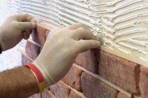 Монтаж плитки с помощью термостойкого облицовочного клея