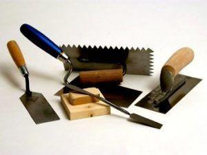 Инструменты для облицовки камина плиткой
