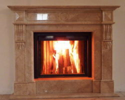 Мраморный камин – красота и практичность