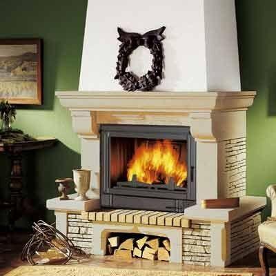 Расположение и критерии выбора дровяных каминов для дома