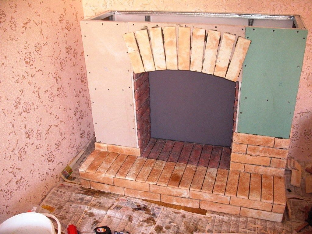 Декорирование очага электрокамина