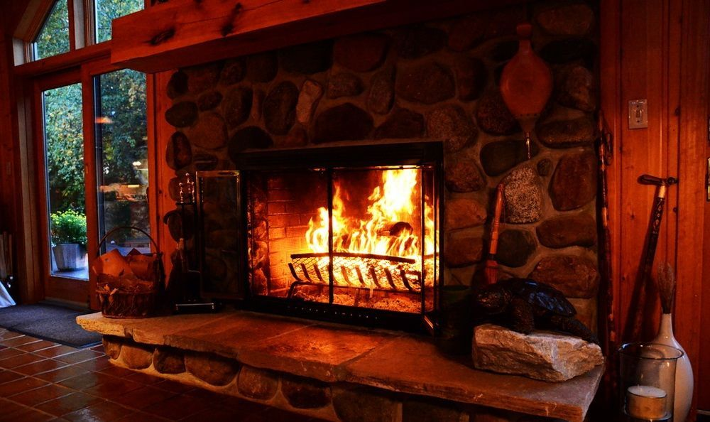 Камин - это теплый и уютный уголок в доме