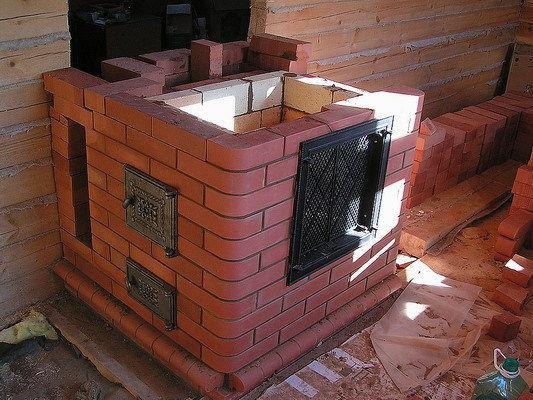Кладка камина-барбекю из термостойкого кирпича
