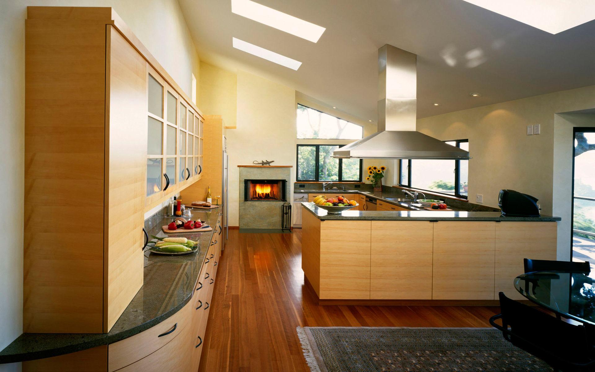 Просторная кухня с электрокамином