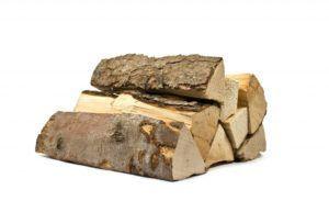 Закладывать в печь нужно просушенные дрова
