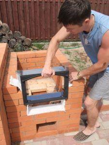 Установить печную дверцу можно самостоятельно