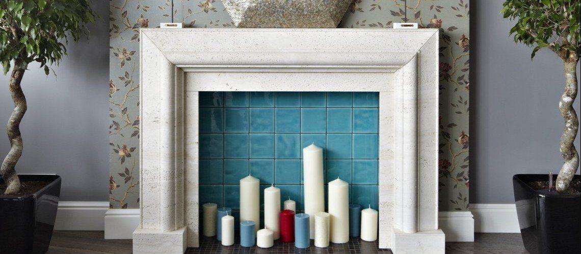 Декор фальш камина свечами